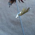 Flores de hojalata realizada en materiales reciclados