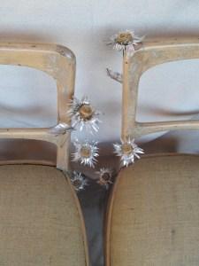 Sillas Eculturas Prímula Kardinsky Flores de hojalata