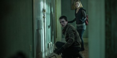 "Teens try to escape blind man in ""Don't Breathe"". (Photo courtesy of screenrant.com)"