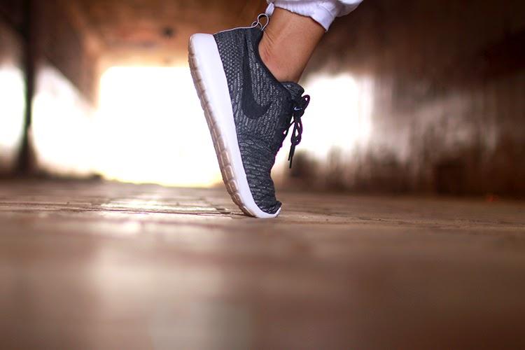 Nike Flyknit Roshe.