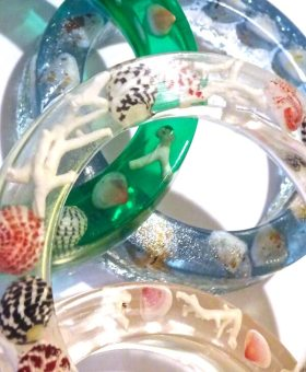 DIY Coral and Shell Resin Bangles