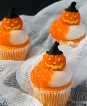Creamsicle-flavored Mini Orange Halloween Cupcakes