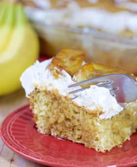 Brown Sugar Banana Pudding Poke Cake