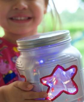 Patriotic Mason Jar Lanterns (VIDEO)
