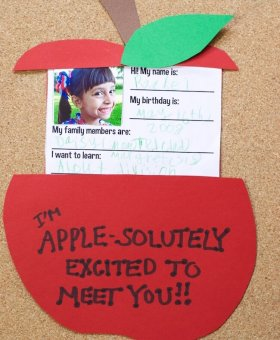 """About Me"" Apple Teacher Card for Back to School"