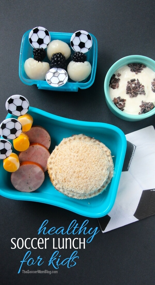 An easy and healthy soccer themed kids lunch that's a guaranteed hit with little fútbol fans! Ready in minutes & provides lasting energy for the school day.