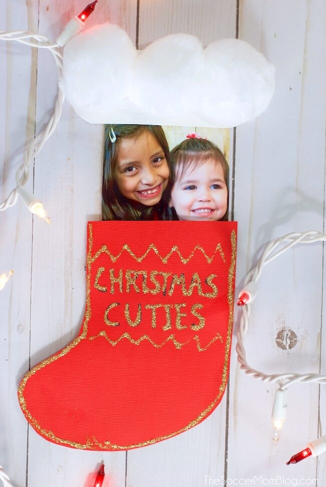 Guaranteed to spread Christmas cheer!! This Christmas Stocking Pop-Up Card is such a cute kid-made keepsake gift to make in the classroom or at home.