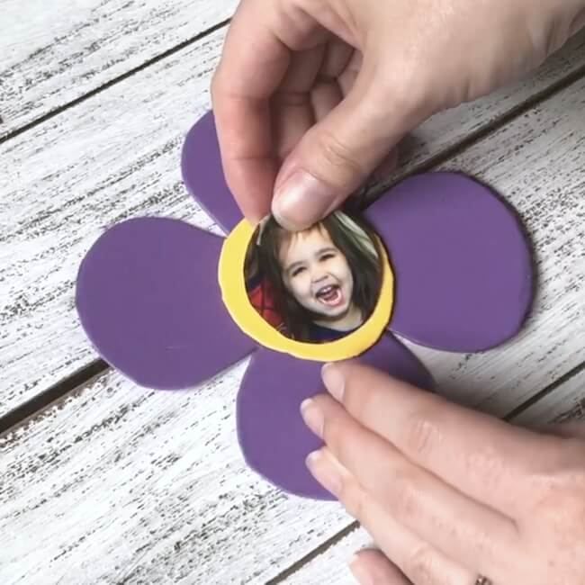 How to make a foam photo flower craft