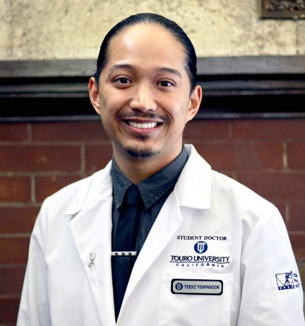 Teekz Yenpasook wins 2021 National Student Doctor of the Year by the Council of Osteopathic Student Government Presidents' (COSGP)