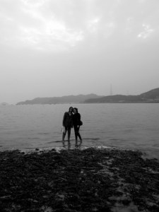 couple near the ocean