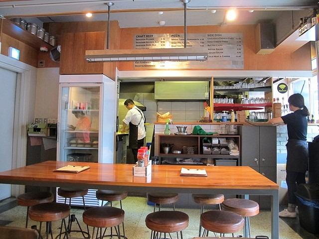 Jongno-gu, Seoul: Beezza pizza restaurant