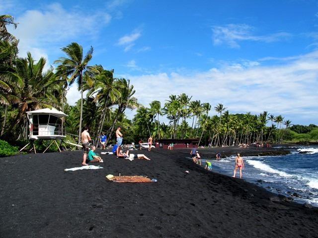 Punalu'u Black Sand Beach, The Big Island, Hawaii, US