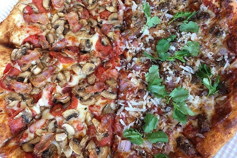 Jackson Blvd, Itaewon, Hannam-dong, Korea, pizza