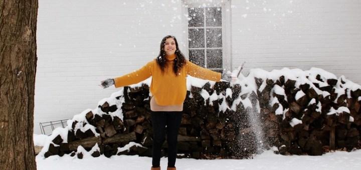 Dayton, Ohio, USA: Hallie Bradley in the snow