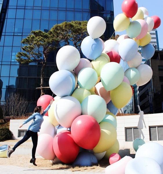 Euljiro Station Balloon Statue, Seoul, Korea