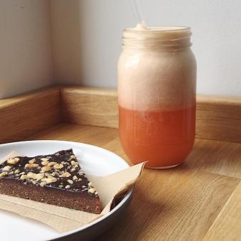 Juice & Raw Snickers Slice