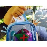"""Día 157 - Ella siempre lleva un """"pajarito"""" de su tía para jugar con el"""