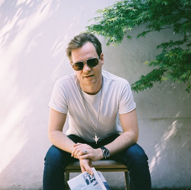 he Modern World is the vehicle of London based singer/songwriter Oli James. He has gathered an eclectic group of musical mavericks to accompany him.