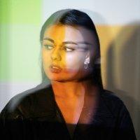 Noé Solange / Nocturnal Lady