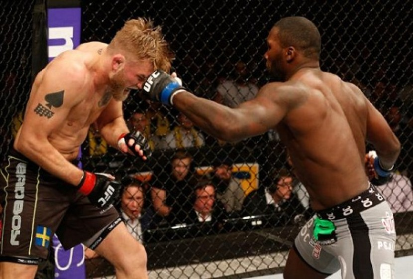 https://i2.wp.com/thesource.com/wp-content/uploads/2015/01/Alexander-Gustafsson-Anthony-Johnson1.jpg?resize=830%2C560