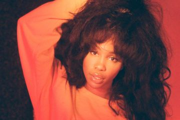 """SZA Drops Video Teaser for Hit Song """"The Weekend"""""""