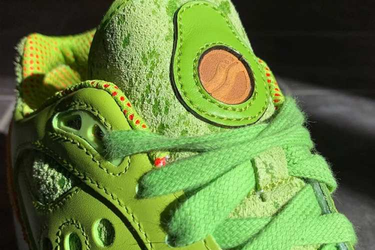 saucony shoes new york