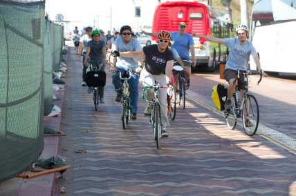 A guided bike ride held by Metro was held in May as part of Bike Week L.A. Photo by Gary Leonard for Metro.