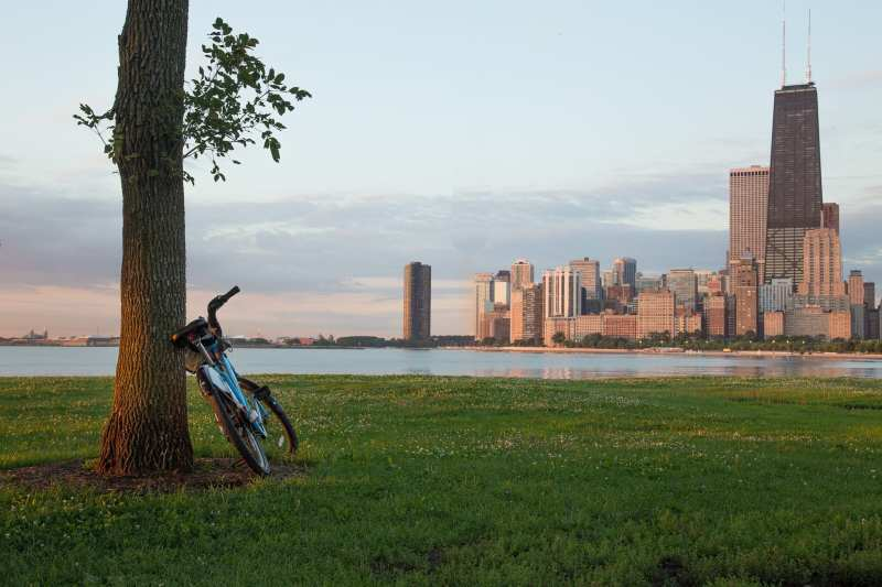 Divvy bike with John Hancock Center in background. Photo by Danny Fowler via Flickr Creative Commons