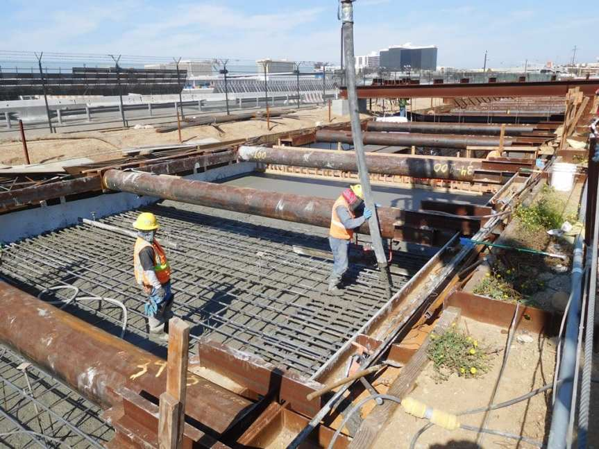 ug1-concrete-placement-for-cut_and_cover-tunnel-segment-permanent-strut-at-the-open-u-wall
