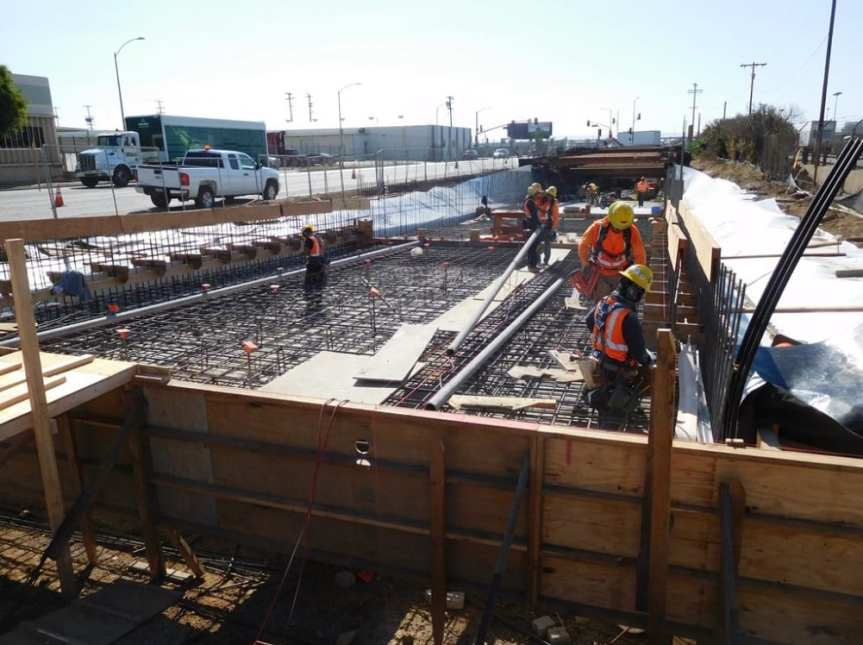 ug1-invert-rebar-installations-at-the-northern-daylight