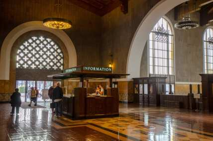 whereas-union-station-remains-one-of-the-nations-great-train-stations_8639005208_o