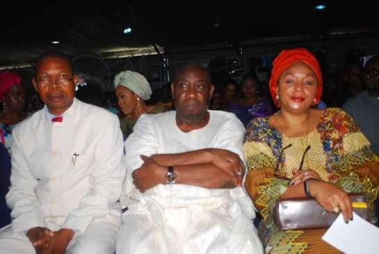 Pastor J.A Bolarinwa,chief Ajibowu Owoade and his wife Sheyi