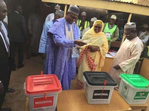 President Buhari casting his vote in Daura