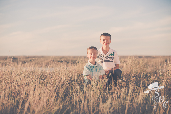 family photography, boys in black and white, brothers, the south dakota cowgirl, south dakota cowgirl photography