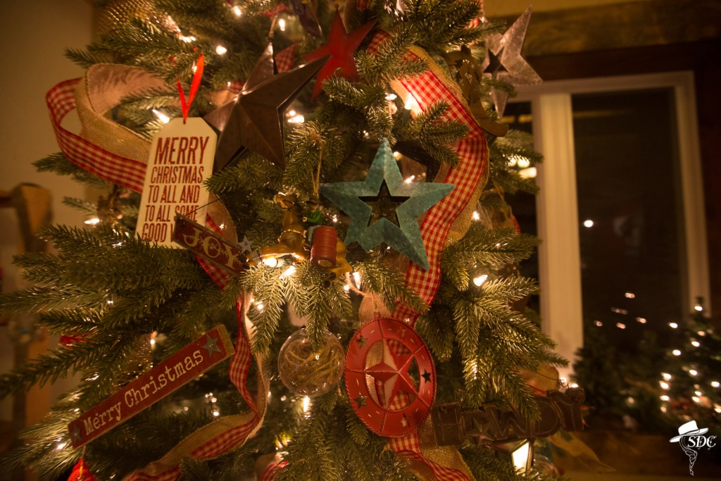 christmas on the ranch, cowboy christmas tree, christmas tree