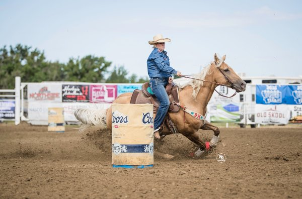 performance anxiety, overcoming anxiety, cowgirls, barrel racing, rodoeing