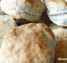 WHIPPED CREAM BISCUITS – 2 INGREDIENTS!
