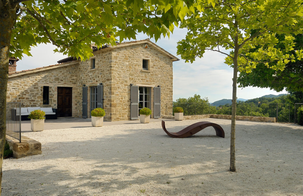 Converted Italian Farmhouse With Earning Potential Hits