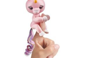 Fingerlings Interactive Baby Pet Unicorn – Gemma $14.99