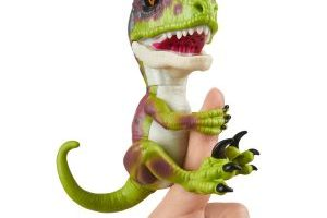Untamed Raptor by Fingerlings Stealth $14.99