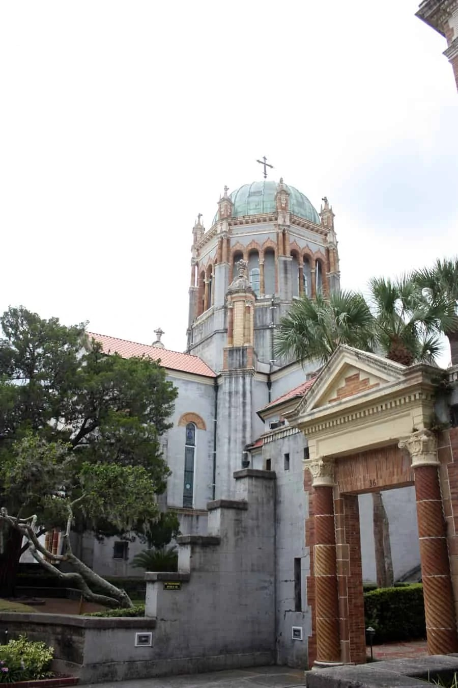 historic downtown Saint Augustine, Florida: sight seeing in the beautiful seaside town of the oldest city in the US! | via The Spirited Violet
