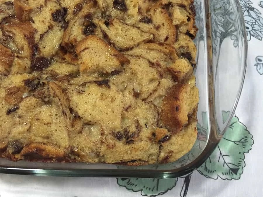 Southern bread pudding recipe: an easy to make and yummy recipe that tastes even better the next day! | via The Spirited Violet