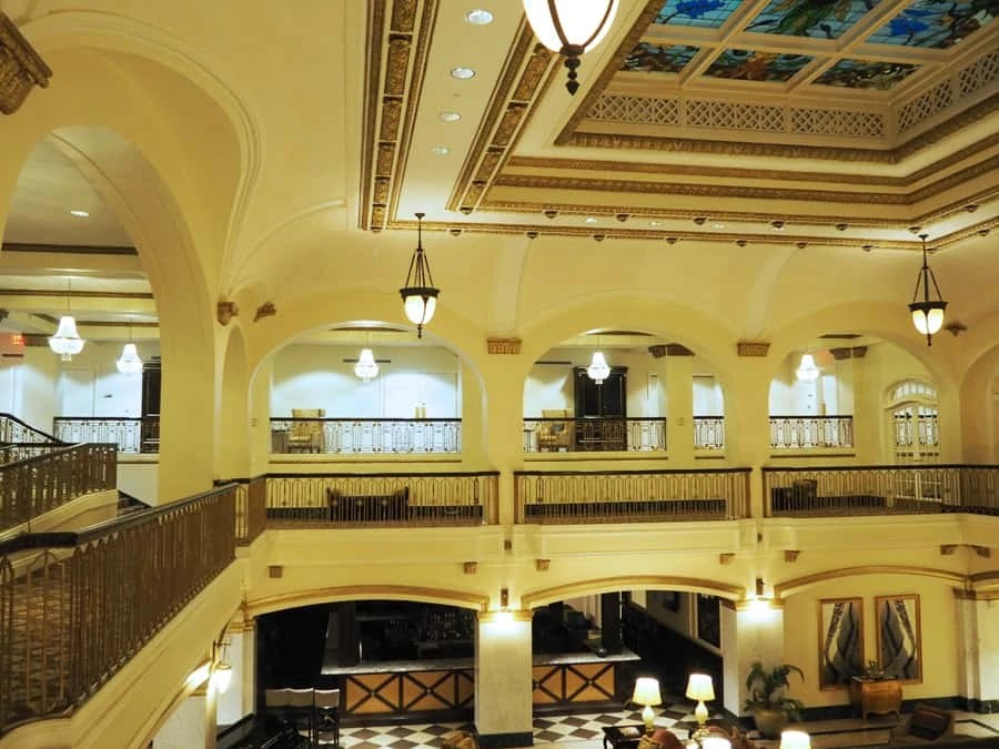 Hotel Blackhawk in Davenport, Iowa has a lot more old Hollywood connections and history than people would think. | via The Spirited Violet