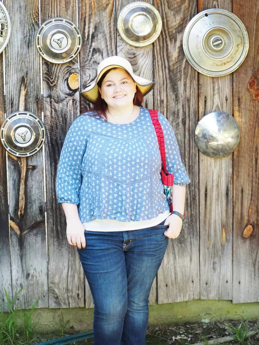 My comfy summer casual outfit for the summer! I love swing shirts, a bright purse, sandals, a sun hat, and flip flops. It keeps my cool in the Georgia heat! #howweworeit | via The Spirited Violet