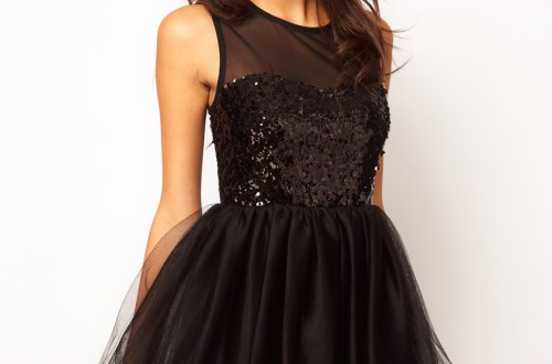 black-dresses-romantic-dates