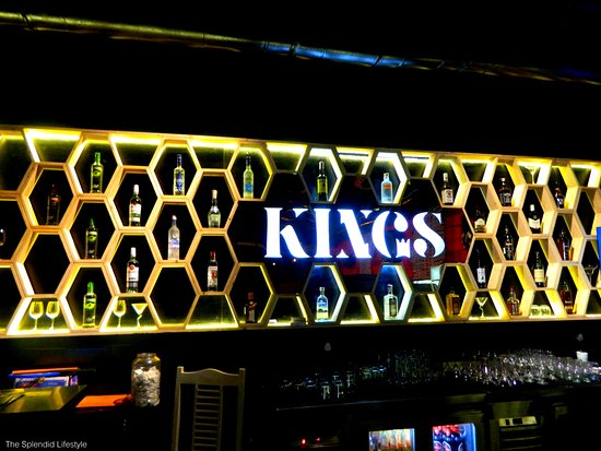 royal-way-to-celebrate-new-year-eve-at-kings-white-castle-thane