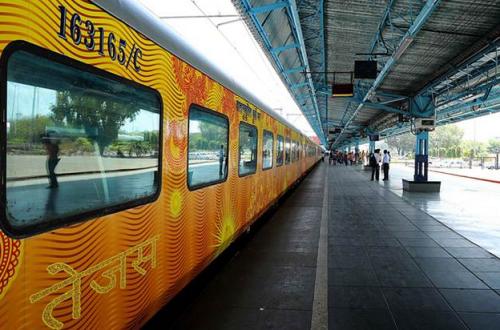 India's New Smart Train #TejasExpress