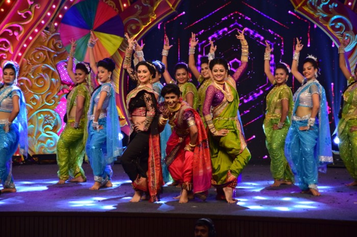zee-celebrates-asha-bhosles-84th-birthday-bash-with-timeless-asha-concert