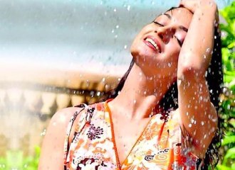 Skin and Hair Care Tips For Monsoon