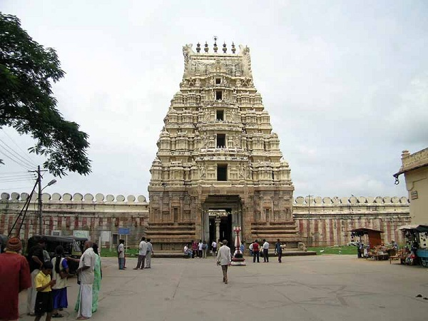 Things to visit between Bangalore to Mysore road trip